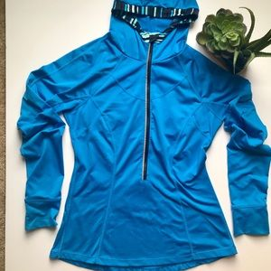 LUCY 3/4 zip Pullover Top with Hood - Size M